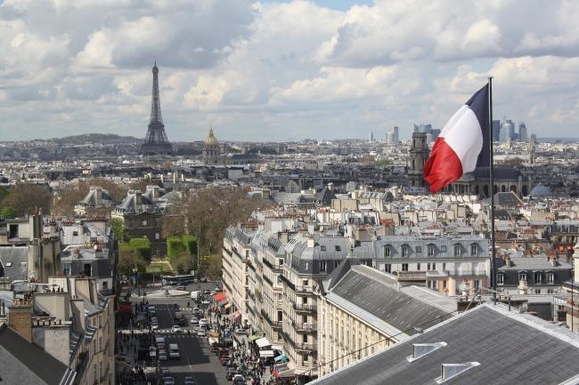 paris-2010432_1280
