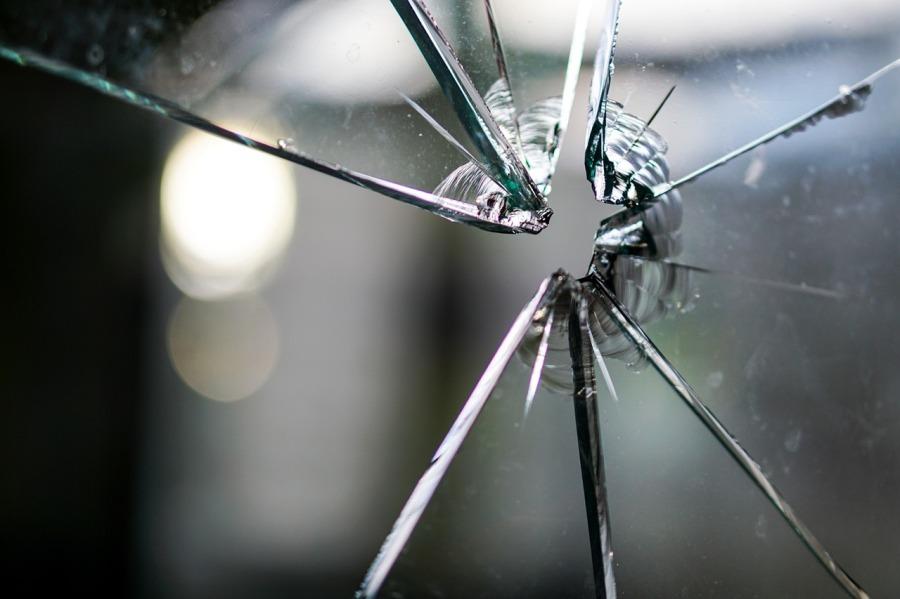 Bien immobilier, vitre cassée que faire?