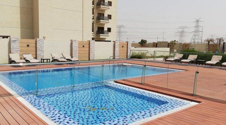 swimming-4578991_1280