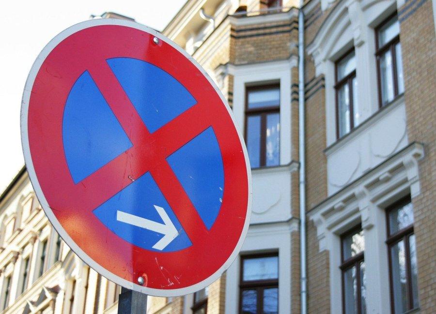 Tout savoir sur le stationnement interdit devant un bienimmobilier